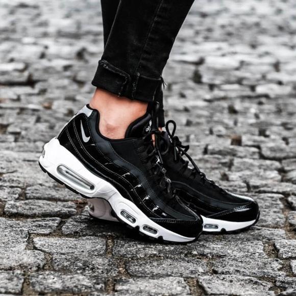 Nike Air Max 95 SE W Schuhe schwarz